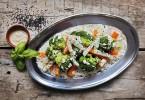 blanszowane warzywa z sosem z tahini72 (1)